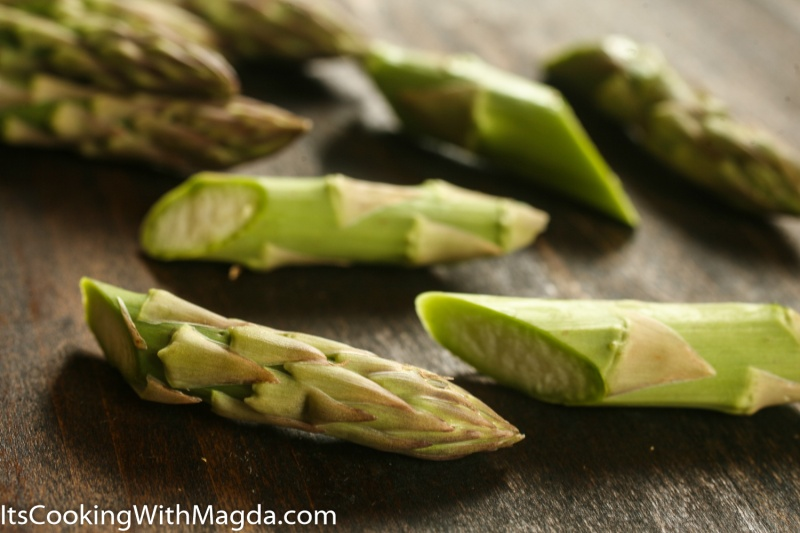 chopped asparagus spears