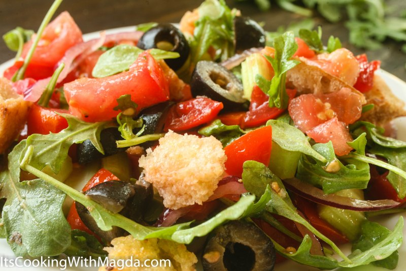 Tomatoes, bread, olives, celery salad