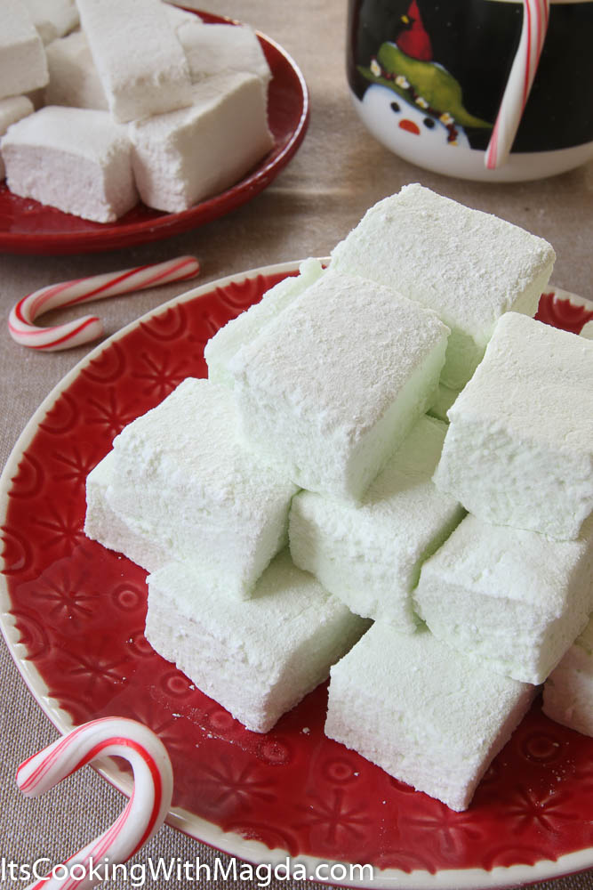 Peppermint and vanilla marshmallows on red plates